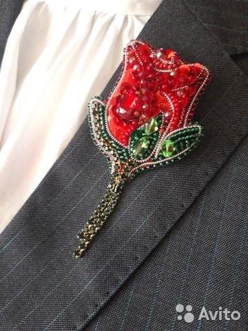 Брошь роза из бисера фото (7)