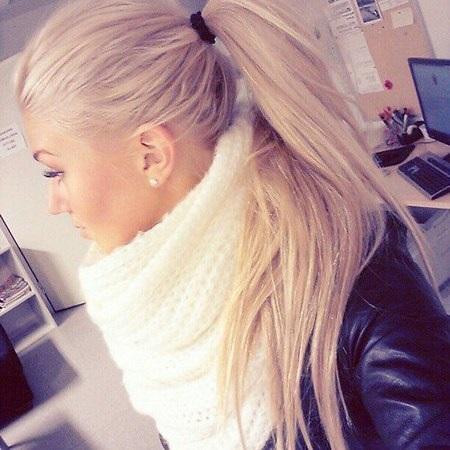 Красивое фото блондинки с боку (1)