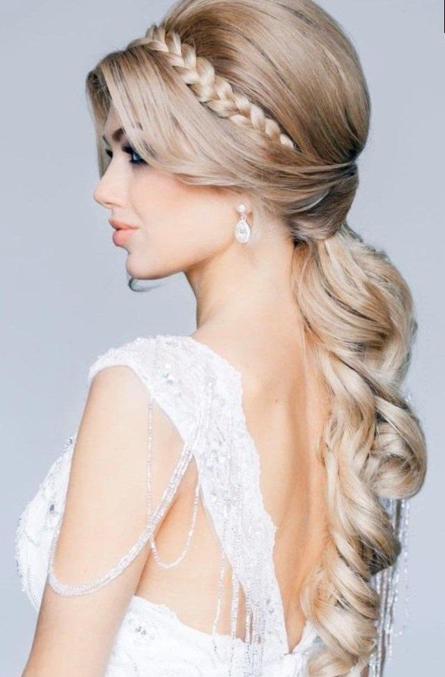 Красивое фото блондинки с боку (10)