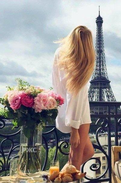 Красивое фото блондинки с боку (14)
