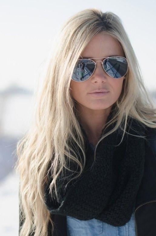 Красивое фото блондинки с боку (22)