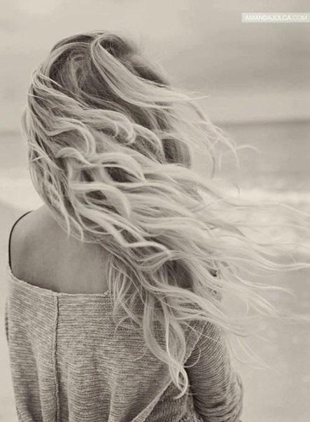 Красивое фото блондинки с боку (24)