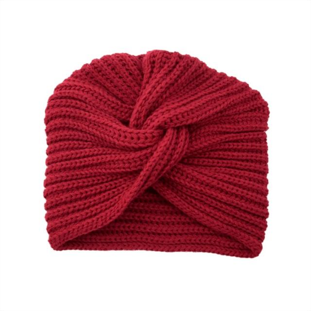 Фото вязаная шапка в стиле бохо (10)