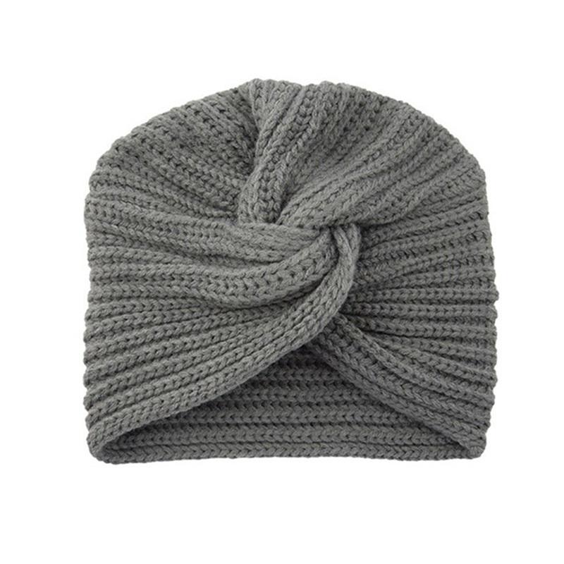 Фото вязаная шапка в стиле бохо (20)