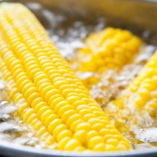 Сколько минут нужно варить кукурузу в початках
