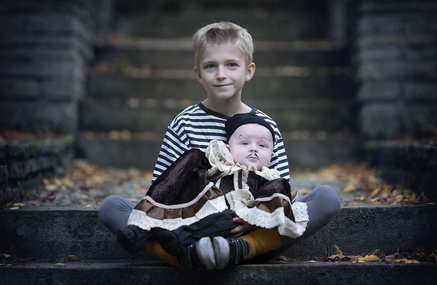 Фотосессия в стиле семейки Аддамс (12)