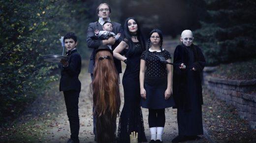Фотосессия в стиле семейки Аддамс (8)