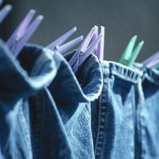 Что делать если джинсы красятся