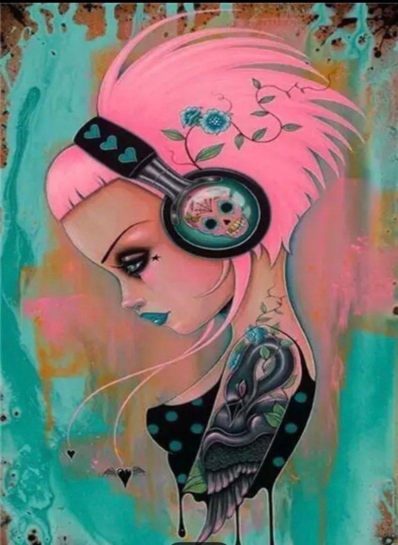 Красивые рисунки карандашом девушка в наушниках (29)