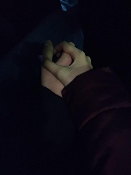 Красивые фото пар в машине ночью (4)