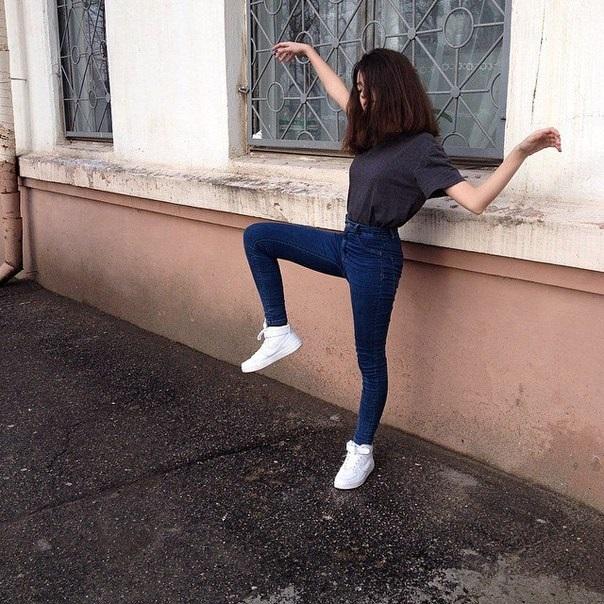 Девушки в джинсовых шортах на аву - лучшие фото (21)
