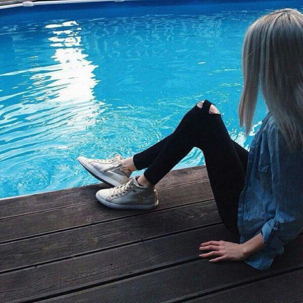 Девушки в джинсовых шортах на аву - лучшие фото (23)