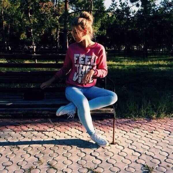 Девушки в джинсовых шортах на аву - лучшие фото (7)
