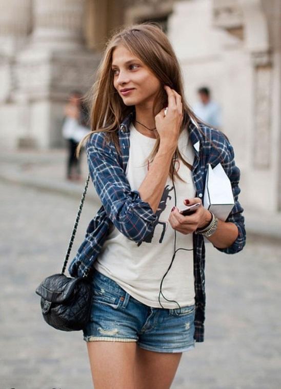 Девушки в джинсовых шортах на аву - лучшие фото (8)