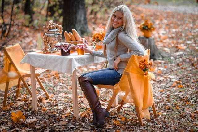 Красивые картинки девушек в сентябре - фото подборка за 2021 год (11)