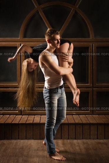 Красивые картинки девушка у парня на плече - 2021 год сборка (17)