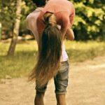 Красивые картинки девушка у парня на плече — 2021 год сборка