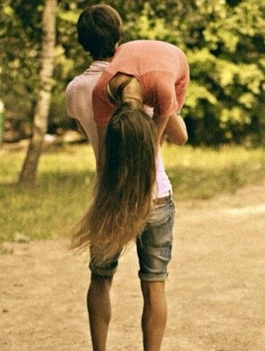 Красивые картинки девушка у парня на плече - 2021 год сборка (9)