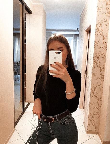 Крутые селфи девушек на аву, новинки за 2021 год (20)