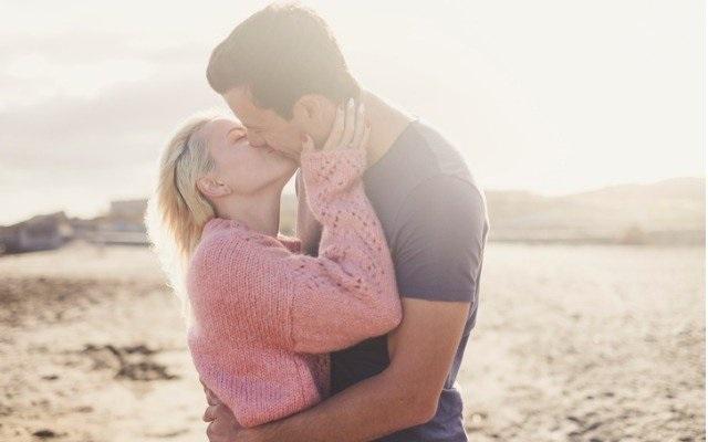 С Днем первого поцелуя 27 августа - открытки и картинки (8)