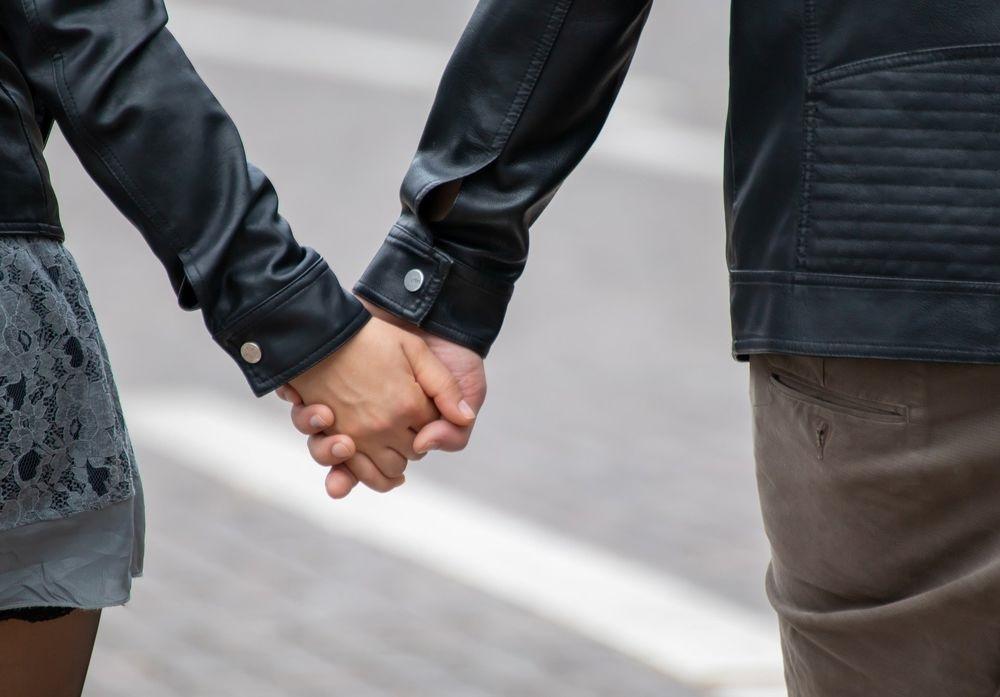 картинка рука женская и мужская (12)