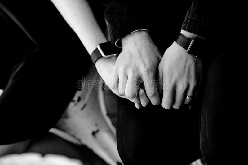 картинка рука женская и мужская (21)