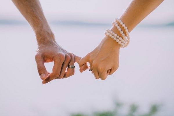 картинка рука женская и мужская (3)