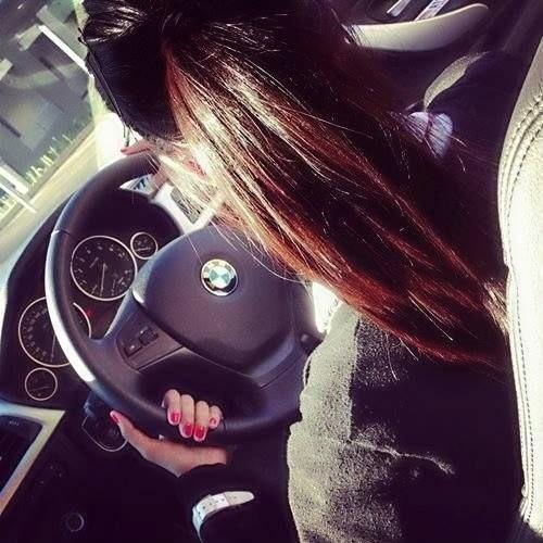 Девушка на аву на машине - топ аватарки за 2021 год (1)