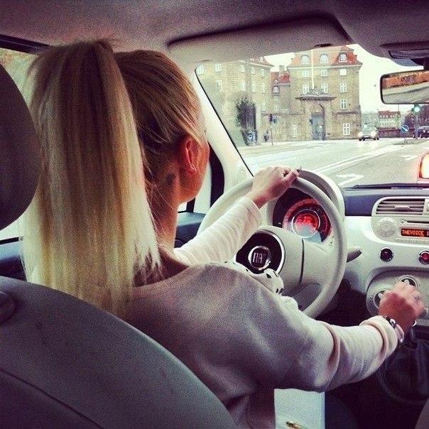 Девушка на аву на машине - топ аватарки за 2021 год (17)