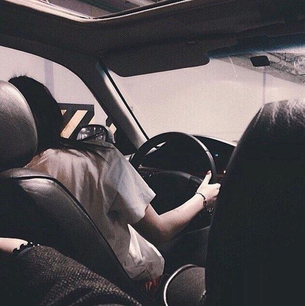 Девушка на аву на машине - топ аватарки за 2021 год (21)