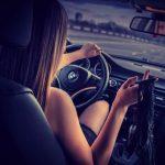 Девушка на аву на машине — топ аватарки за 2021 год