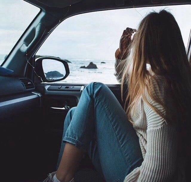 Девушка на аву на машине - топ аватарки за 2021 год (25)