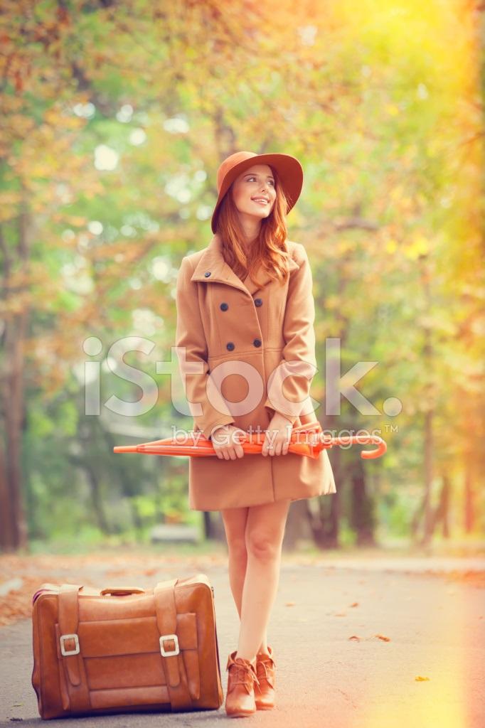 Рыжая девушка и осень - красивые картинки за 2021 год (11)