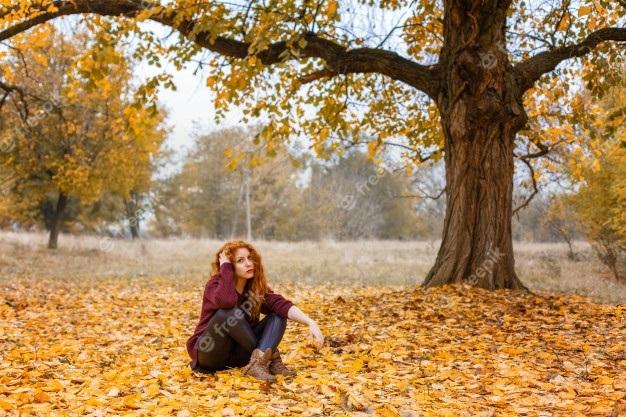 Рыжая девушка и осень - красивые картинки за 2021 год (14)