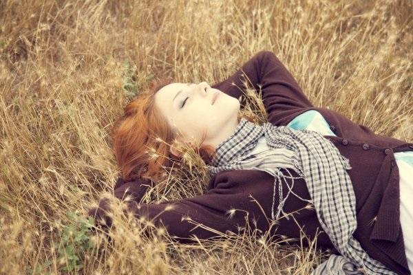 Рыжая девушка и осень - красивые картинки за 2021 год (19)