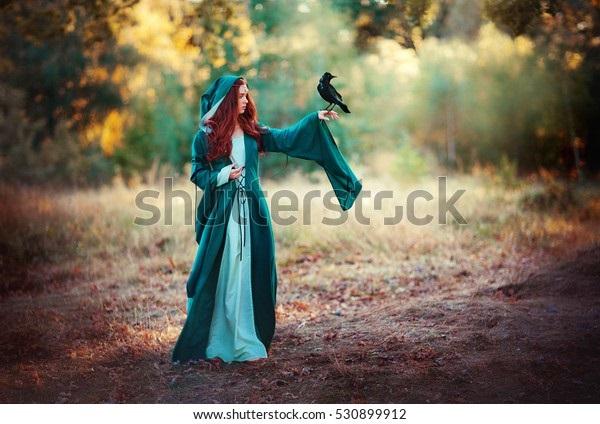 Рыжая девушка и осень - красивые картинки за 2021 год (23)