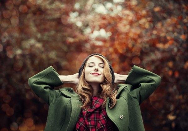 Рыжая девушка и осень - красивые картинки за 2021 год (4)