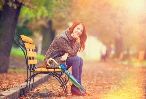 Рыжая девушка и осень - красивые картинки за 2021 год (6)