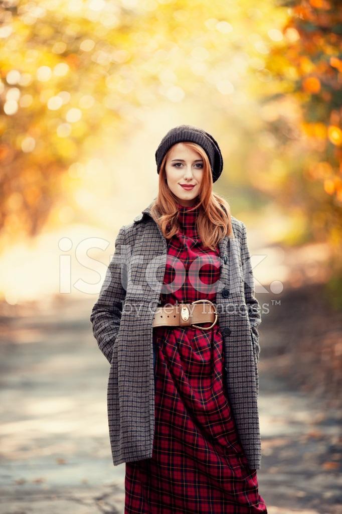 Рыжая девушка и осень - красивые картинки за 2021 год (8)