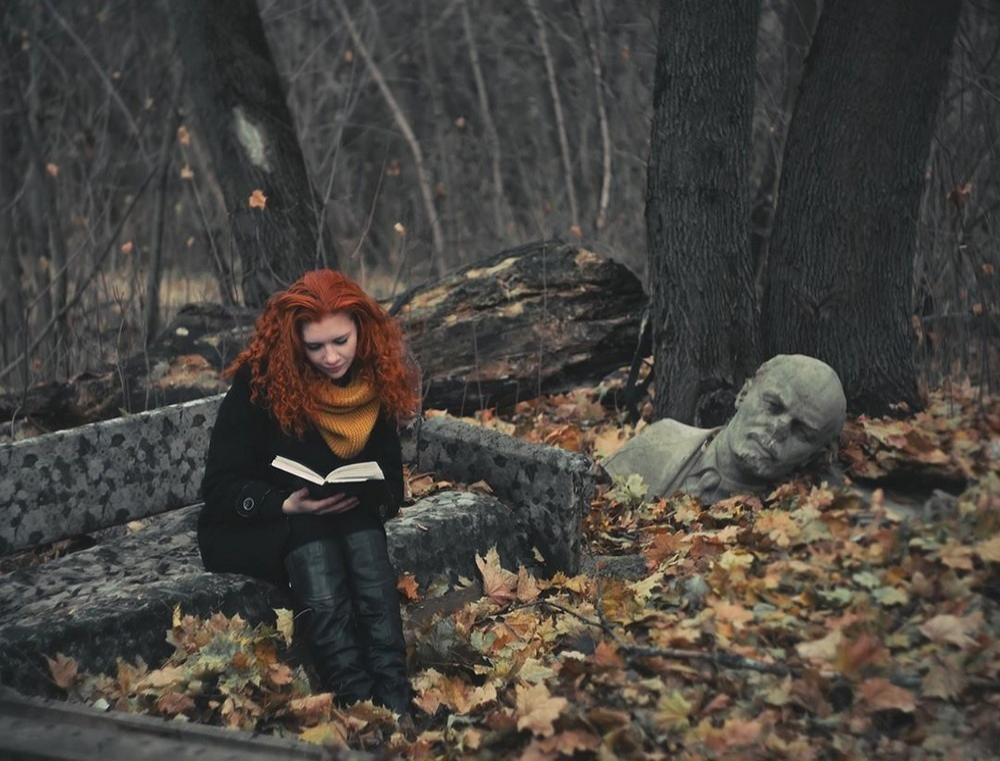 Рыжая девушка и осень - красивые картинки за 2021 год (9)